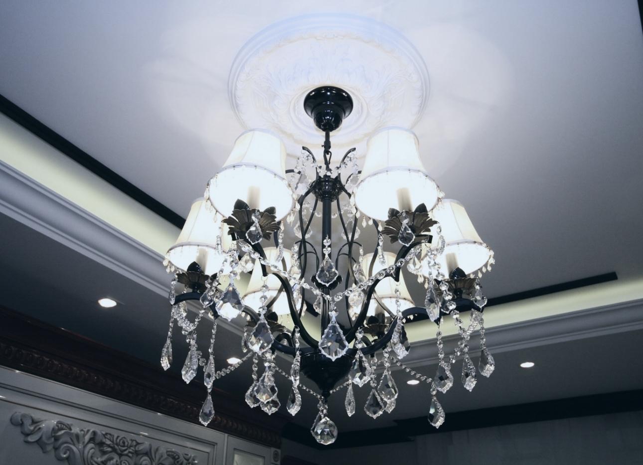 Освещение в доме: как правильно организовать?
